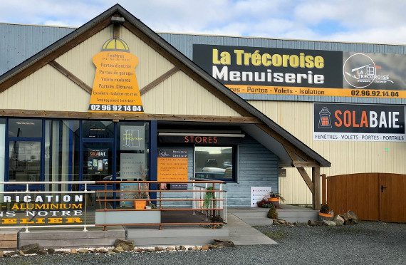 Devanture de votre artisan-menuisier Solabaie La Trécoroise Menuiserie, artisan-menuisier pour vos portes, fenêtres et volets à Minihy-Tréguier