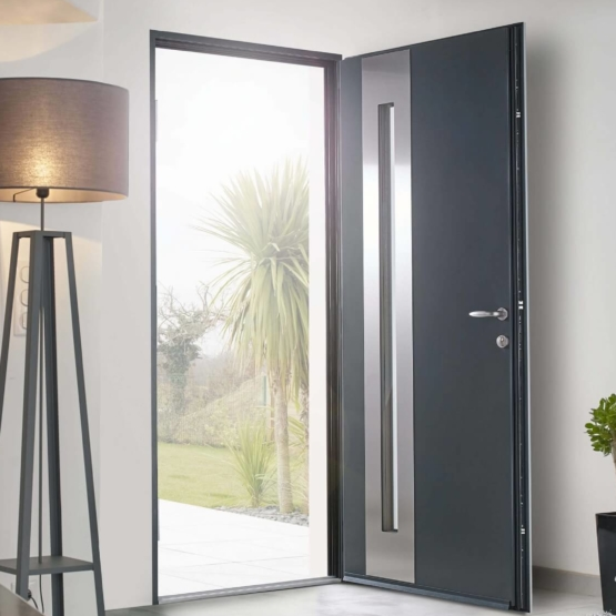 porte-entree-alu-gris-anthracite-solabaie_555x555_acf_cropped